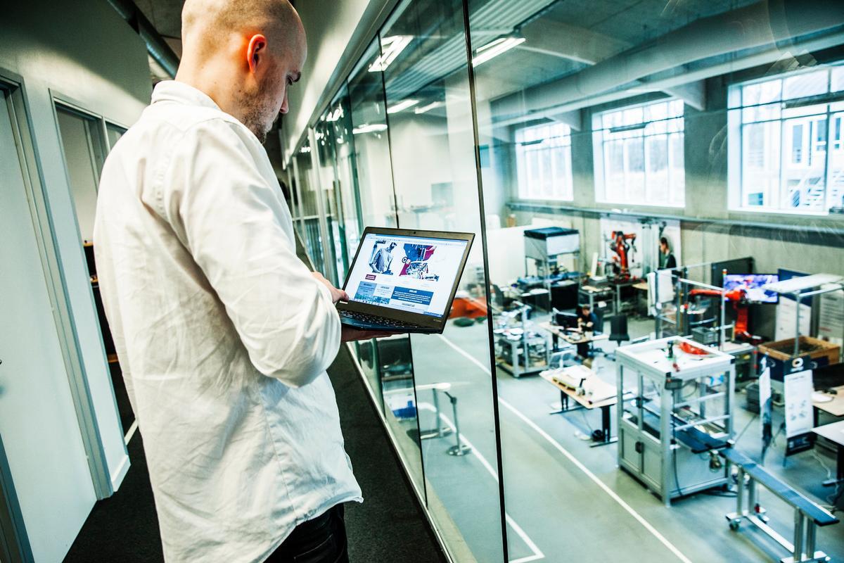 Robotter til fremstillingsvirksomheder